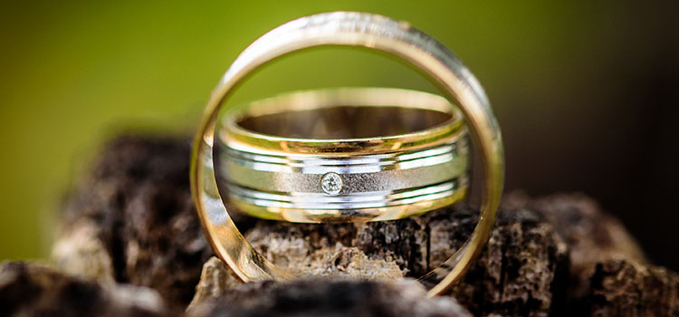 THE DURABILITY OF WEDDING RING MATERIALS