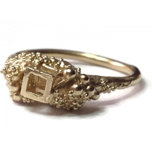 9ct Yellow Gold open cube ring