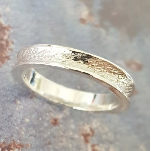 HAND CARVED CONCAVE TEXTURED BAND: STERLING SILVER