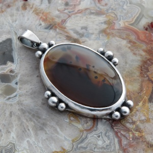 Montana Agate Cabochon Pendant - Sterling Silver with Shot Decoration