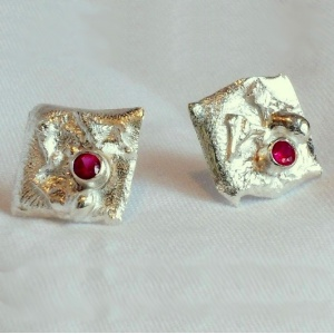 Fused and Textured Studs With Rubies