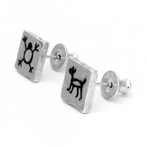 CAPIVARA silver oxidized brushed stud earring