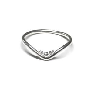 Evolve wishbone ring