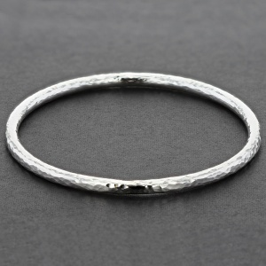 Round Shaped Hammered Silver Bangle